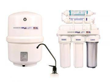 Marlus 650 reverse osmosis system with UV and pump